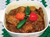 Chicken vindaloo can be a tasty dish that fits into a healthful diet.