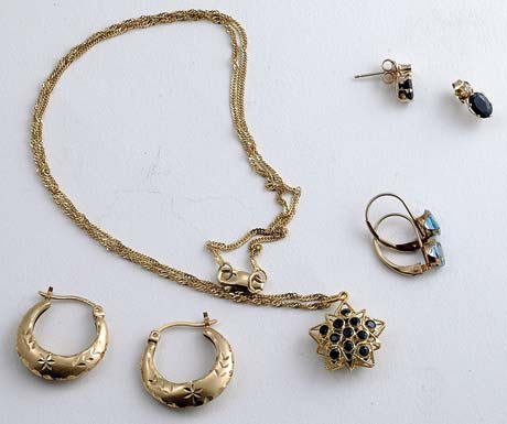 This collection of gold jewelry cost the author about $12. This is typical of the gold jewelry that he finds on the weekends.