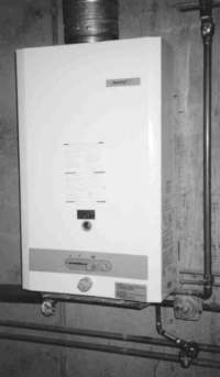 Tankless instantaneous hot water heater