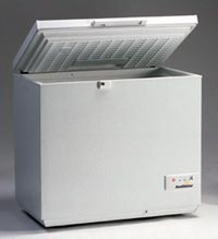 This top-load freezer keeps food and ice frozen using only two 100-watt solar modules.