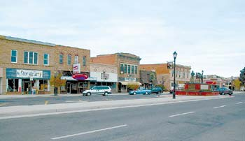 The main downtown street of Thermopolis features several specialty stores including the popular Storyteller bookstore where locals hang out, read newspapers, and gossip (over very un-cowboy-like lattes).
