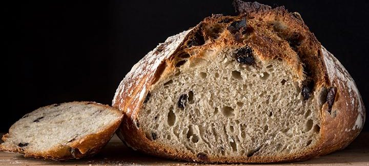 baked-bread-close-up-1374586